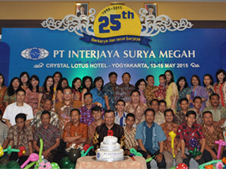 PT Interjaya Suryamegah Distributor Genset Group Photo